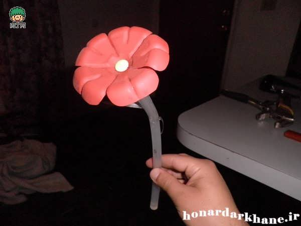 Making decorative flowers (10)