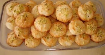 طرز تهیه شیرینی نارگیلی نرم و خوشمزه با دستور پخت آسان
