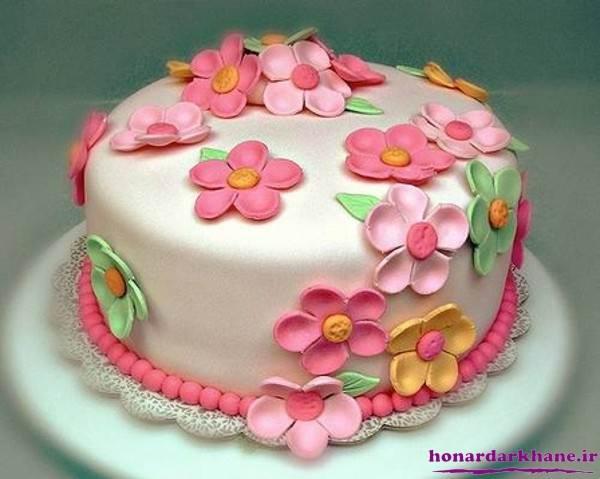 خمیر فوندانت برای تزیین کیک