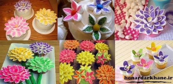 تزیین گل بر روی کیک های فنجانی