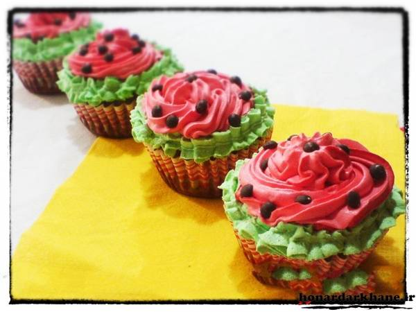 تزیین کیک فنجانی به شکل هندوانه