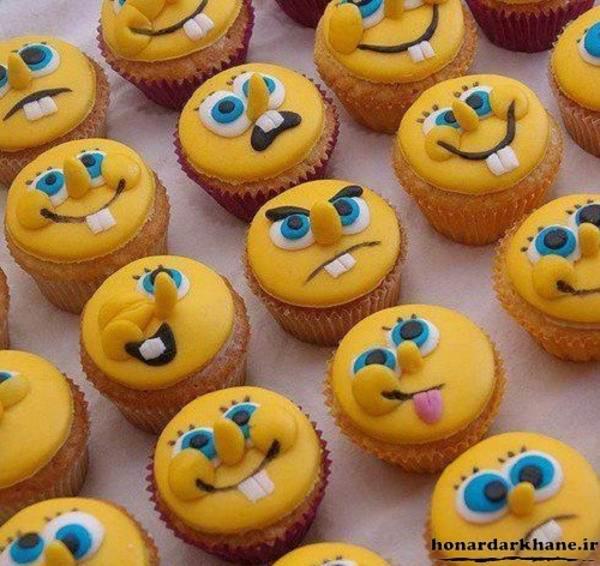 تزیین باب اسفنجی بر روی کاپ کیک