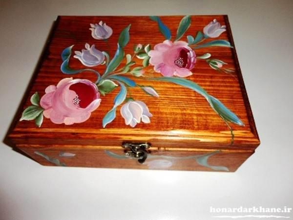 نقاشی روی جعبه چوبی