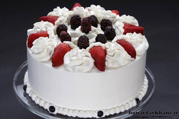 تزیین کیک تولد ساده با خامه