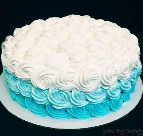 تزیین کیک با شکوفه های خامه