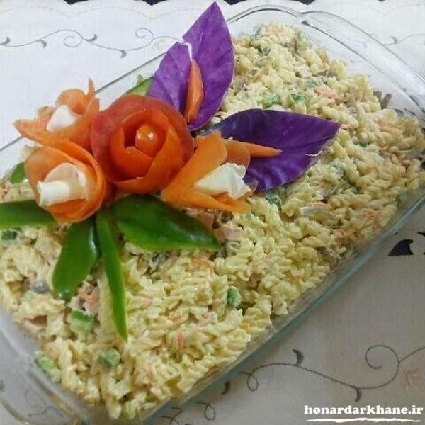 تزیین جدید سالاد ماکارونی به شکل گل
