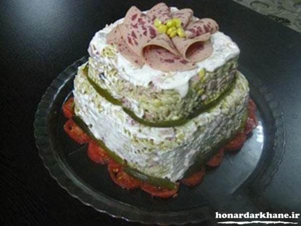 سالاد ماکارونی به شکل کیک تولد