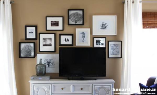 تزیین دیوارهای ساده با قاب عکس