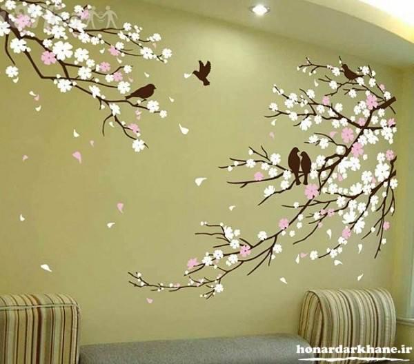 تزیین دیوارهای ساده با نقاشی