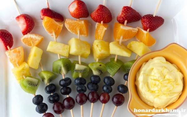 تزیین میوه با سیخ