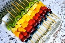 تزیین میوه با سیخ چوبی برای شب یلدا