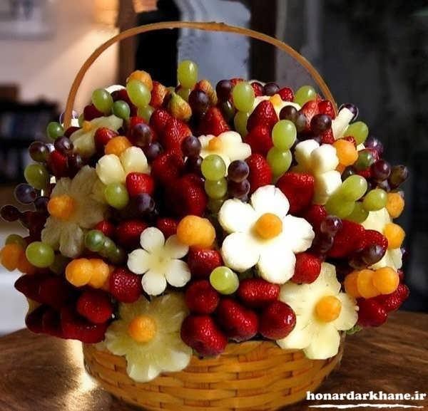 تزیین میوه با سیخ چوبی