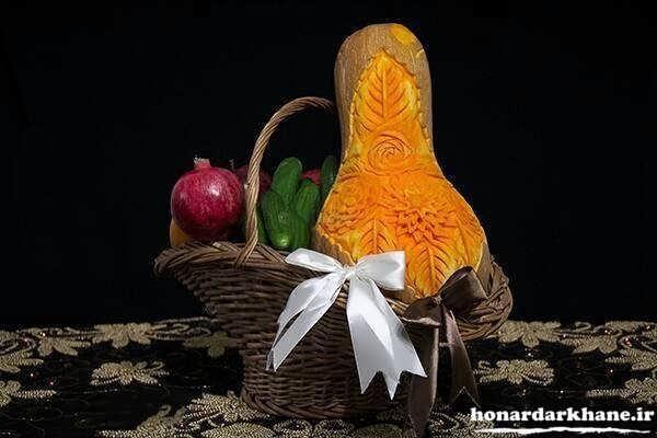 تزیین میوه در سبد برای شب چله عروس