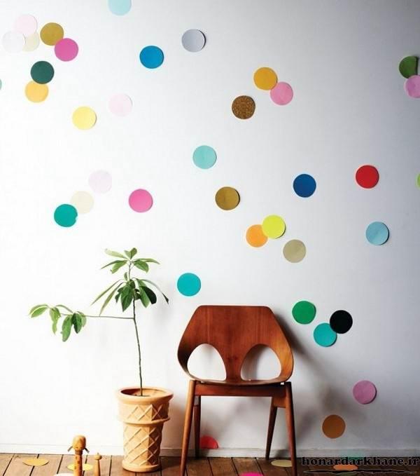 تزیین دیوار با دایره های رنگی