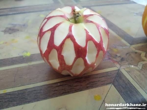 آموزش حکاکی روی سیب