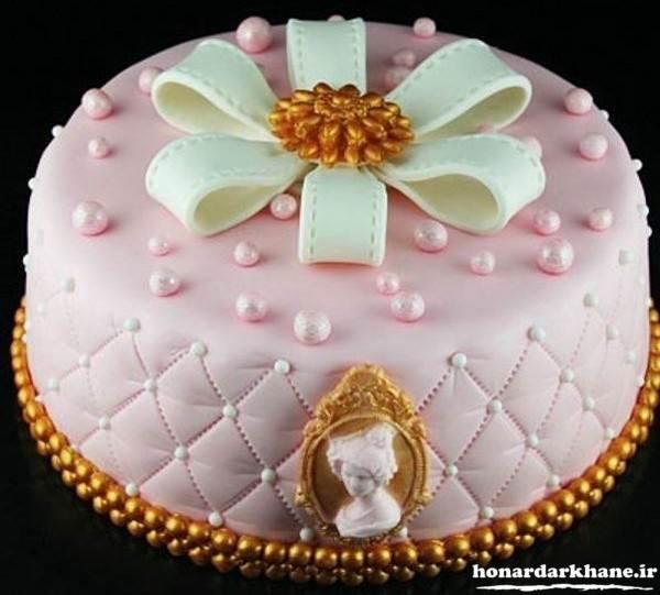 تزیین شیک کیک با فوندانت