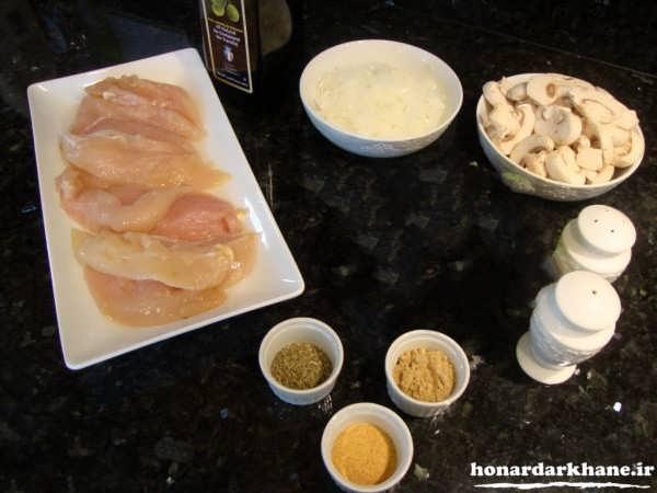 مواد لازم برای تهیه پیتزا مرغ