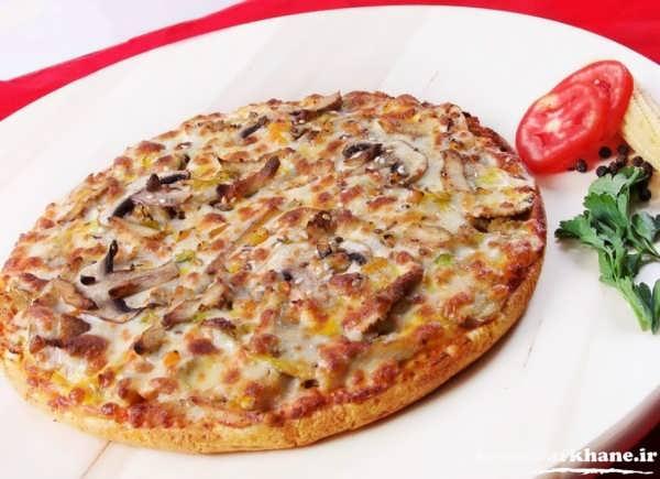مراحل پخت پیتزا در منزل