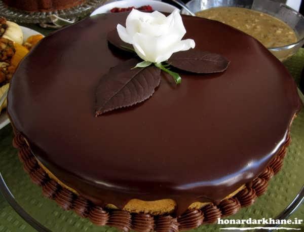 تزیین روی کیک با گاناش