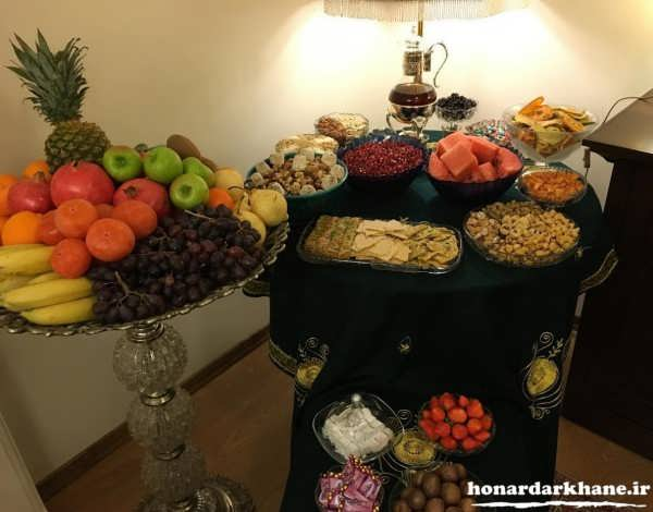 تزیین میز شب یلدا برای عروس