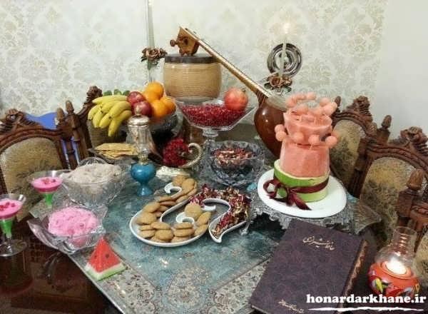 تزیین ساده میز شب یلدا