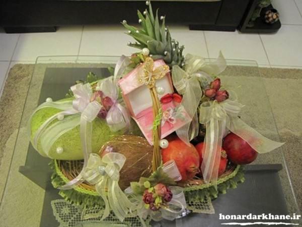 تزیین هدایای عروس برای شب چله