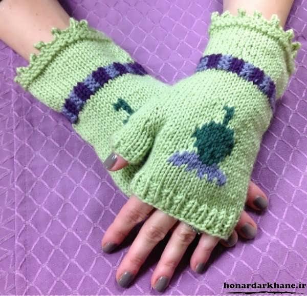 model-knitted-gloves-12