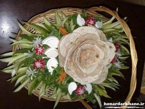 تزیین زیبای نان برای سفره عقد