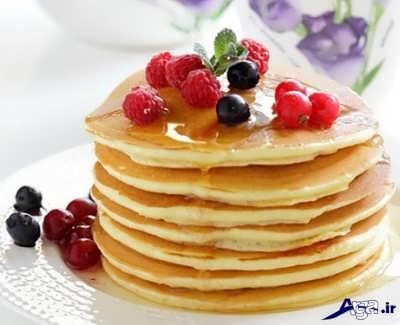 تزیین پنکیک صبحانه با میوه