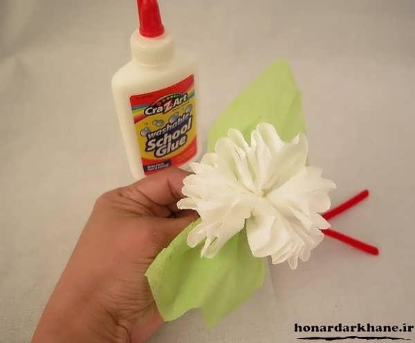 مراحل ساخت گل با دستمال کاغذی