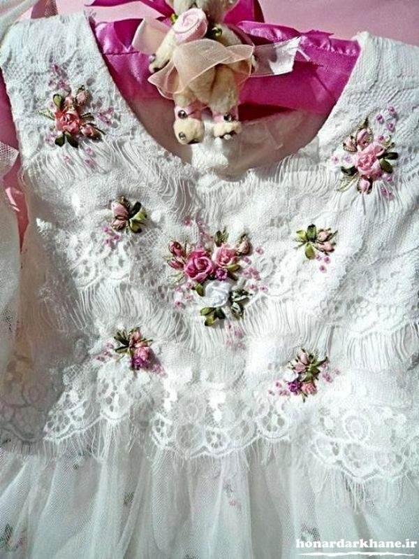 روبان دوزی روی لباس