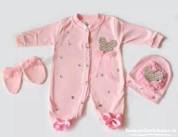 تزیین زیبای لباس نوزادی
