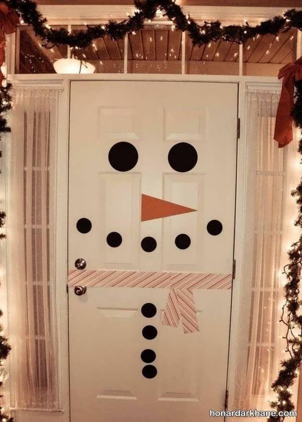 نقاشی روی درب اتاق نوزاد