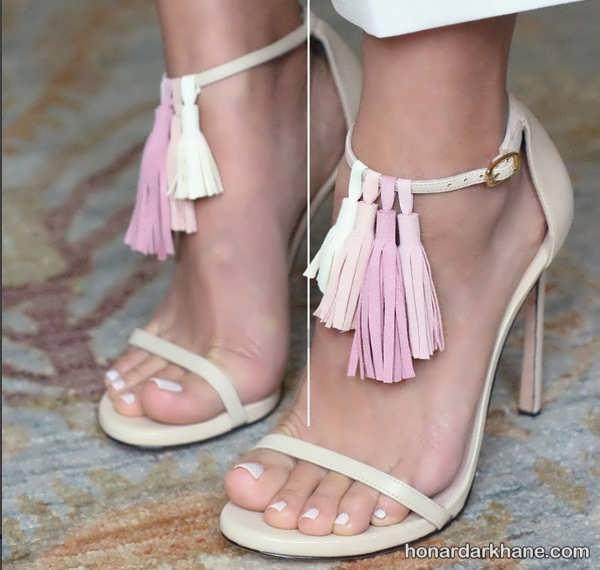 تزیین کفش با منگوله