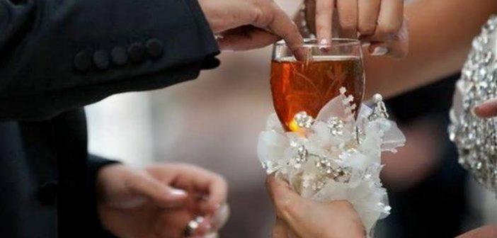 تزیین جام عسل سفره عقد شیک و جدید برای عروس و داماد