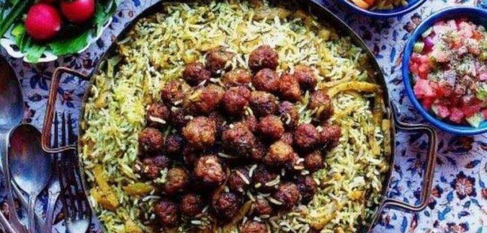 طرز تهیه کلم پلو شیرازی خوشمزه با گوشت چرخ کرده