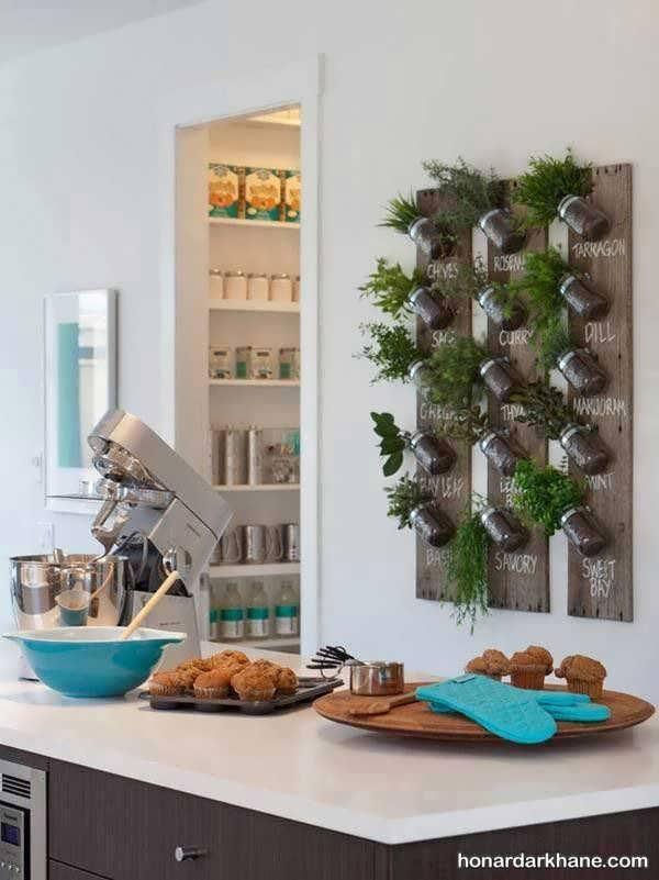 تزیین دیوار آشپزخانه با دکوری دیواری