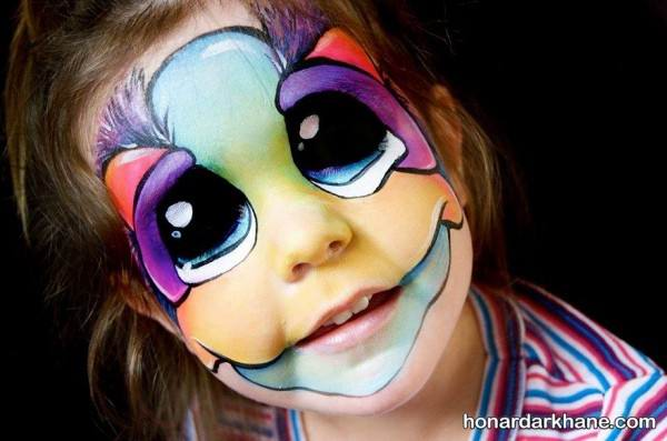 نقاشی روی صورت بچه ها