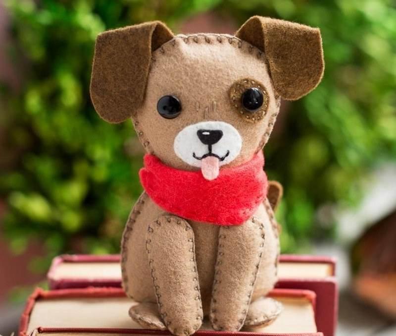 نمد دوزی روی مانتو سگ نمدی برای هفت سین سال 97 با طرح های جدید