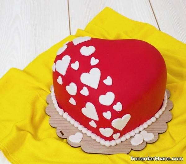 تزیین کیک قلبی برای ولنتاین
