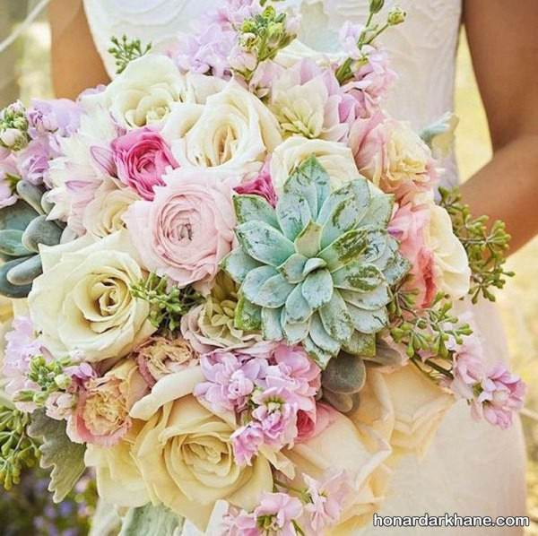 دسته گل عروس رنگی
