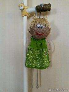 ساخت عروسک آویزی با گونی
