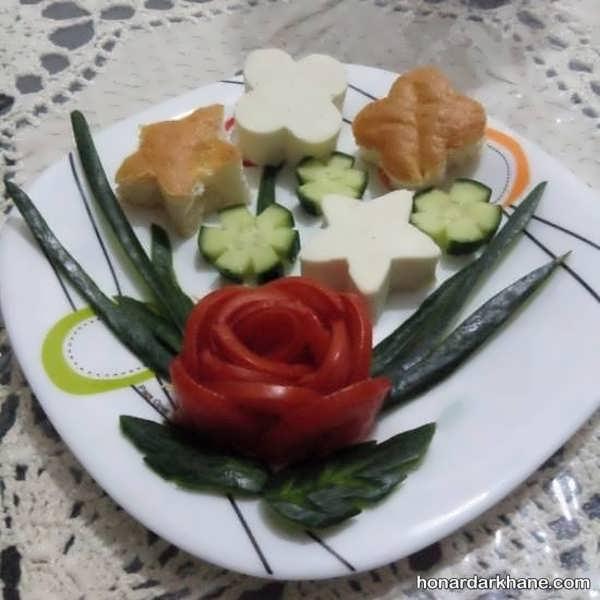 تزیین گوجه و پنیر
