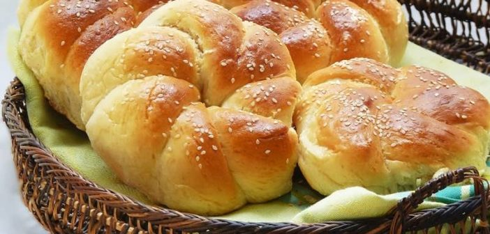 طرز تهیه نان شیرمال خانگی نرم و خوشمزه