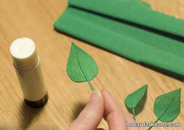 ساخت برگ گل با کاغذ کشی