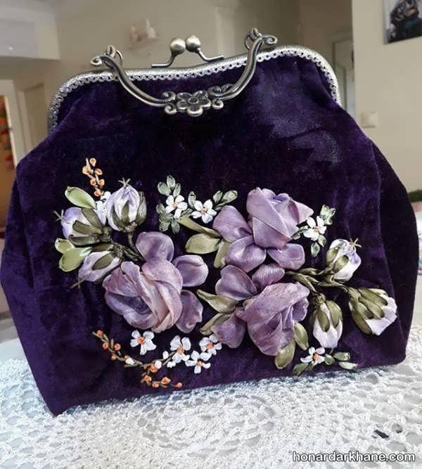 تزیین کیف شیک با گل پارچه ای