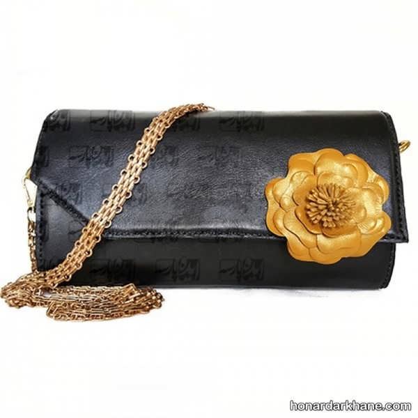 تزیین ساده کیف با گل چرمی