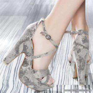 کفش پاشنه بلند دخترانه