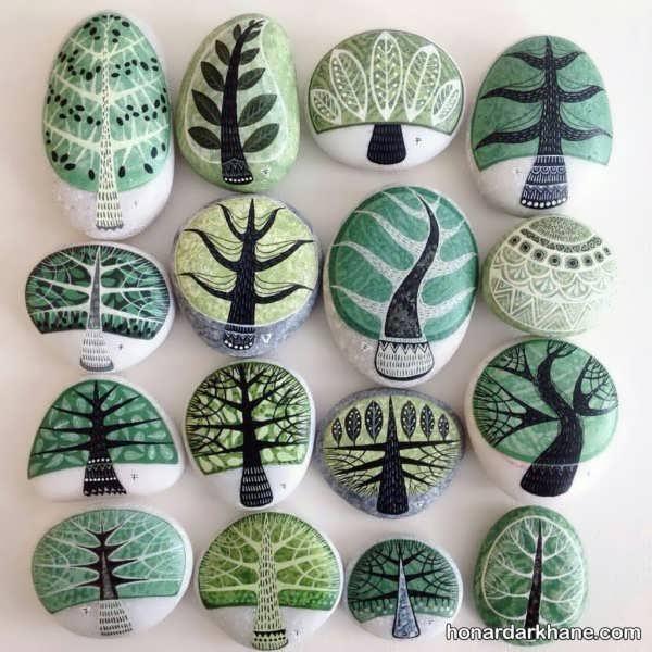 نقاشی روی سنگ های رودخانه ای
