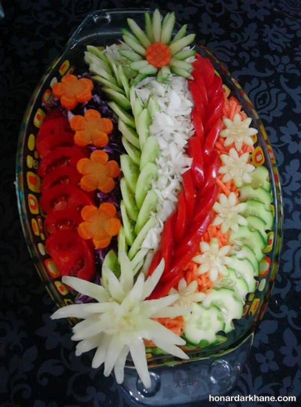 تزیین سالاد کلم با خیار و هویج
